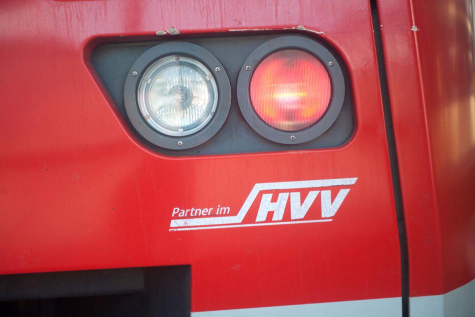 Der Hamburger Verkehrsverbund hat die Pläne der SPD zum sogenannten Hamburg-Takt begrüßt.