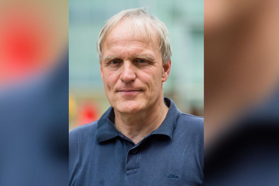 Grünen-Stadtrat Bernhard Herrmann fordert beim Müll Wiederverwerten vor Verbrennen.