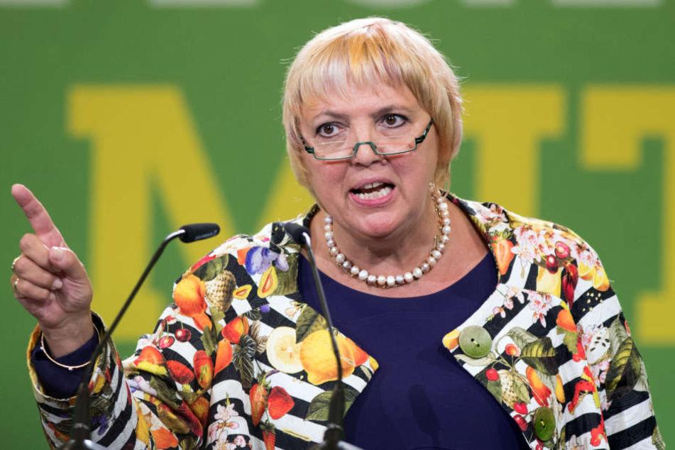 Claudia Roth kritisiert Seehofers Führungsqualitäten.