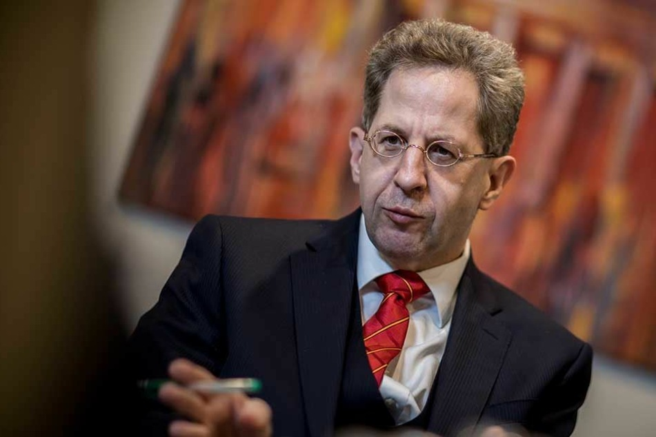 Verfassungsschutzchef Hans-Georg Maaßen warnt eindringlich islamistischen Frauen und Mädchen.