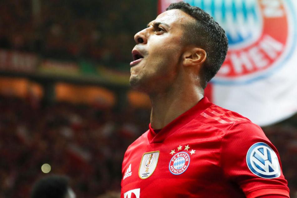 Thiago spielt beim FC Bayern München eine wichtige Rolle im Mittelfeld.