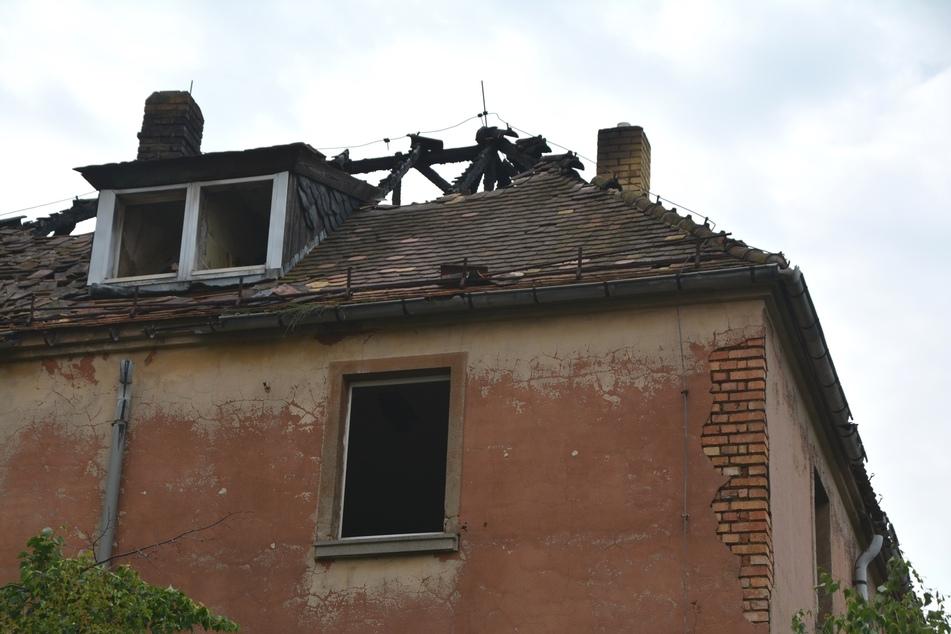 Der Dachstuhl des Gebäudes brannte vollständig aus.