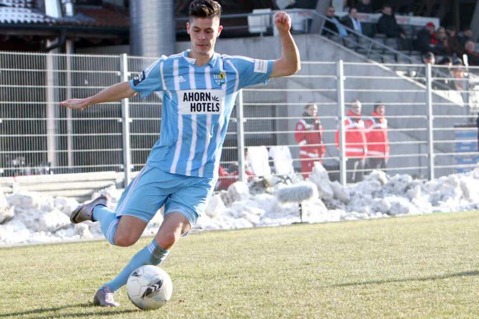 Dennis Mast war bis Ende Juni 2013 beim HFC. Nach Stationen in Karlsruhe und  Bielefeld spielt er seit Sommer auf Leihbasis für den CFC. Mast hat in dieser  Saison noch kein Punktspiel verpasst.