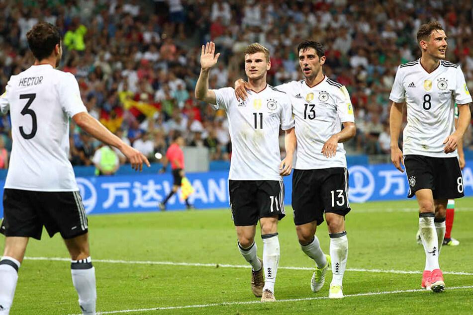 Jonas Hector, Timo Werner, Lars Stindl und Leon Goretzka (v.l.n.r.) bejubeln den dritten deutschen Treffer.