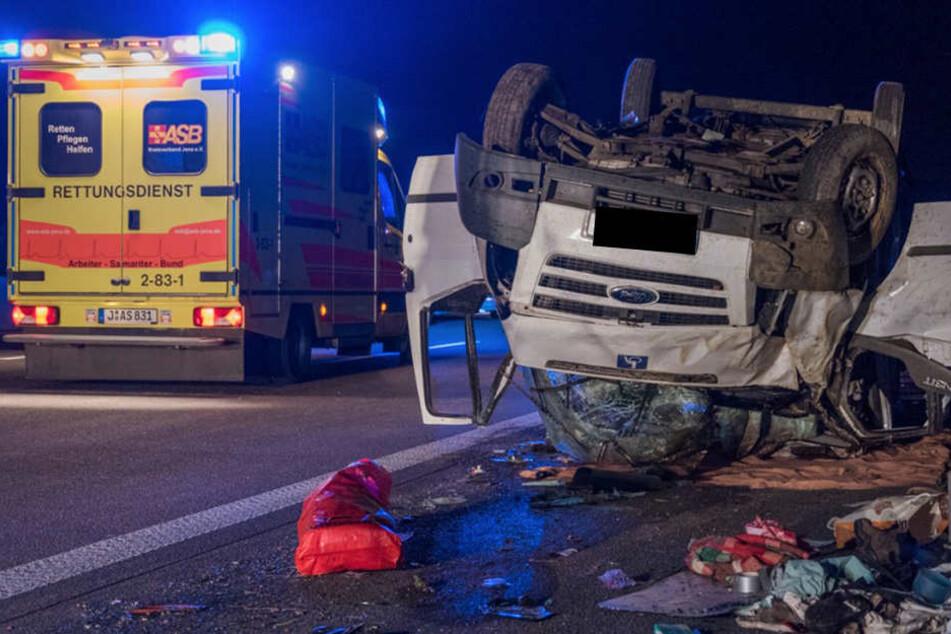 Auf der A4 starb in der Nacht zu Sonntag der Fahrer (49) eines Kleintransporters.
