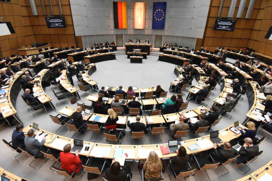 Eine Anhörung im Berliner Abgeordnetenhaus soll Klarheit zum Tod des jungen Mädchens bringen. (Symbolbild)