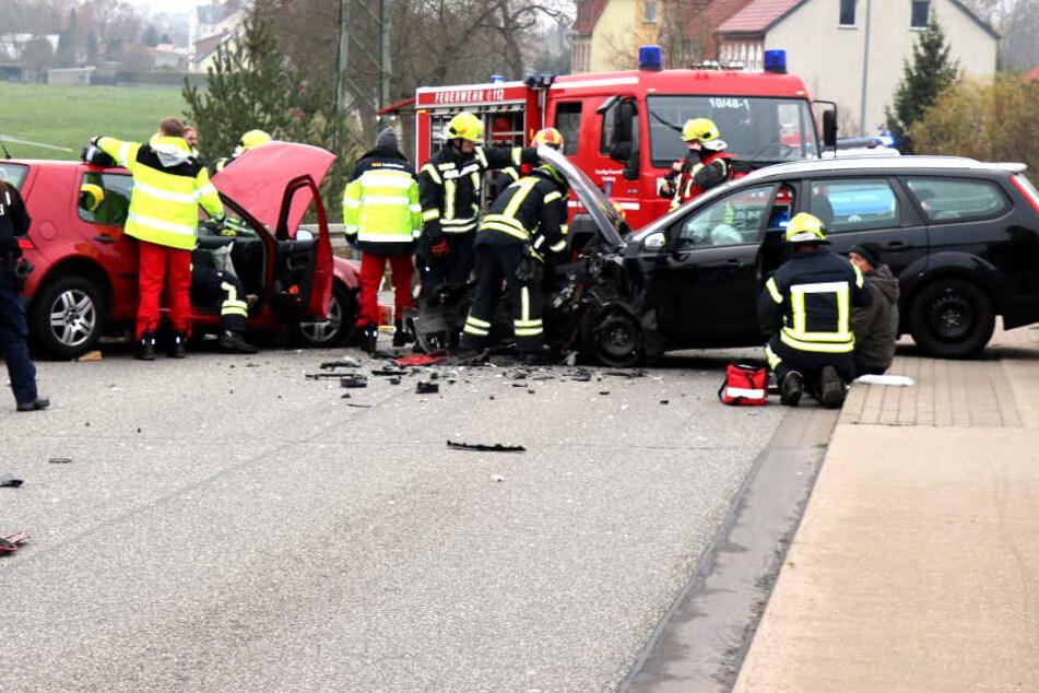 Autos krachen ineinander: Zwei Schwerverletzte!