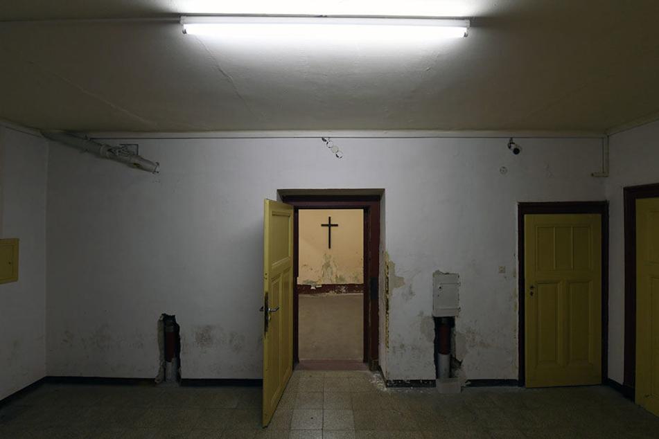 Der Raum der früheren zentralen Hinrichtungsstätte der DDR in Leipzig wurde bis 1981 zur Vollstreckung der Todesurteile genutzt wurde. Zwischen 1960 und 1981 wurden in der ehemaligen Hausmeisterwohnung insgesamt 64 Menschen hingerichtet.
