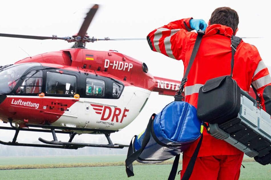 Ein Rettungshubschrauber brachte den verwundeten 40-Jährigen in eine Klinik (Symbolbild).