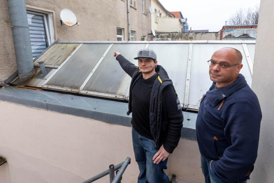Niclas Edelmann (29, l.) und Sven Karrasch (49) verfolgten den Einbrecher.