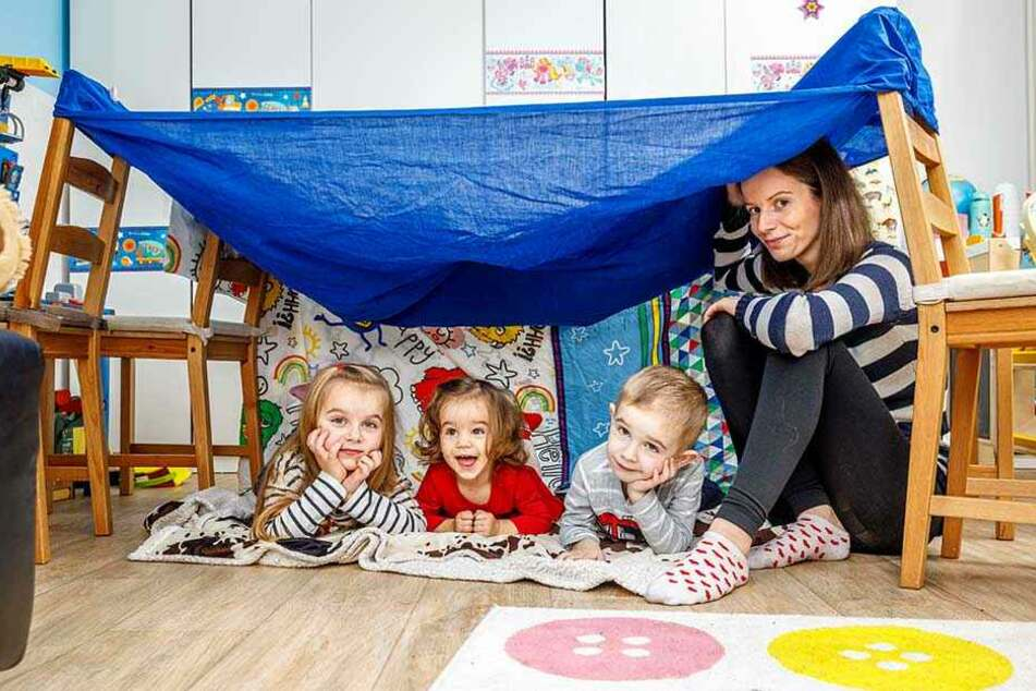 Die junge Familie braucht jetzt Hilfe: Mutter Marie mit Elena, Miro (3) und Nevena (5).
