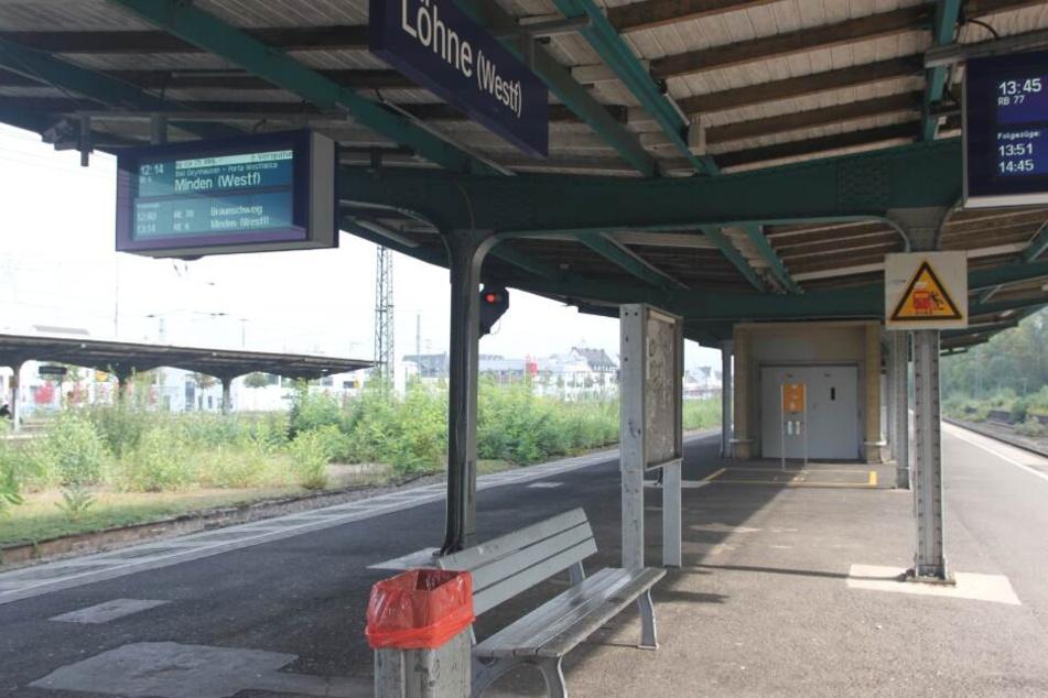 An vielen Stellen sind die Bahnsteige richtig kaputt.