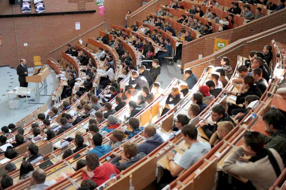 Allein an der Universität in Frankfurt werden zum kommenden Wintersemester rund 9550 Erstsemester erwartet.