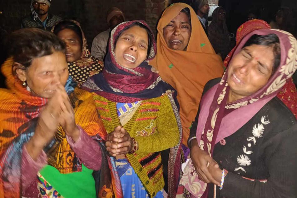Mütter der gefangen gehaltenen Kinder sorgen sich um ihr Wohlergehen.