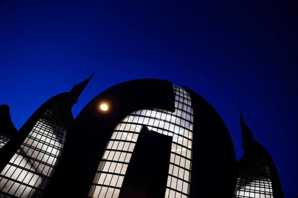 Ob Erdogan die neue Zentralmoschee der Türkisch-Islamische Union Ditib besuchen wird, steht noch nicht fest.