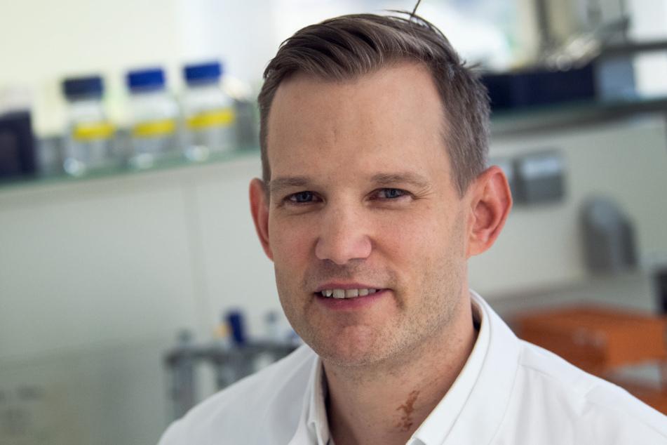 Professor Hendrik Streeck (43), Direktor des Instituts für Virologie an der Uniklinik in Bonn, ist zum Objekt der Begierde von Désirée Nick geworden.