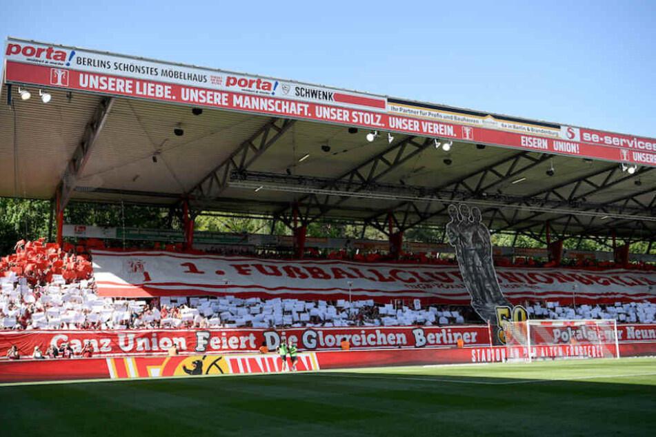 Für die Saison 2018/19 hat Union Berlin bereits 11.500 Dauerkarten fürs Stadion An der Alten Försterei verkauft. (Symbolbild)