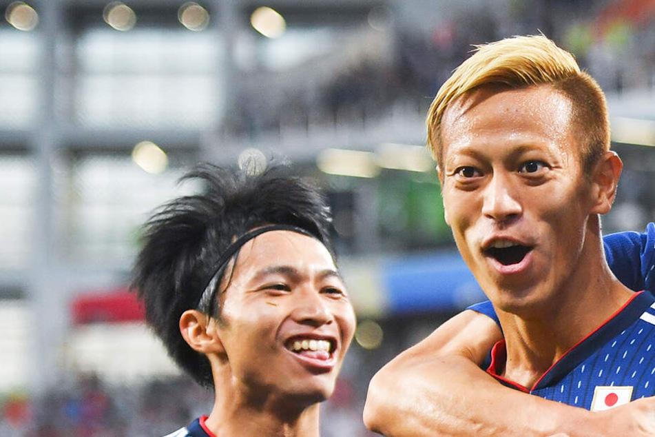 So witzig bietet sich dieser Fußball-Star mehreren Spitzenklubs an!