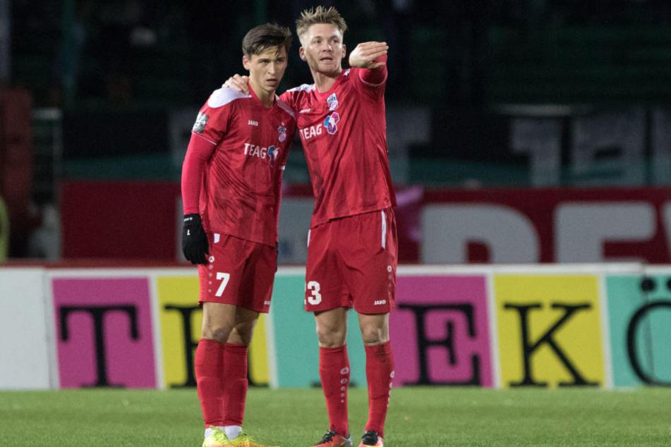 Theodor Bergmann (l.) bleibt noch mindestens eine Saison bei Rot-Weiß-Erfurt, Pablo Pigl verlässt den Verein allerdings.