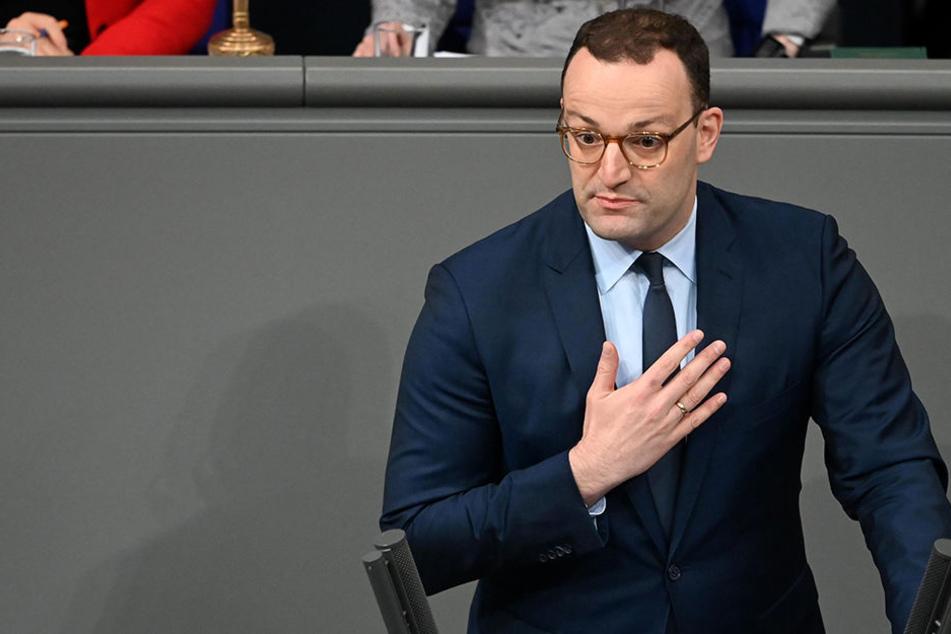 Gesundheitsminister Jens Spahn: Sein Ministerium hat eine Million Euro für ein Projekt zur Altersbestimmung rausgerückt.