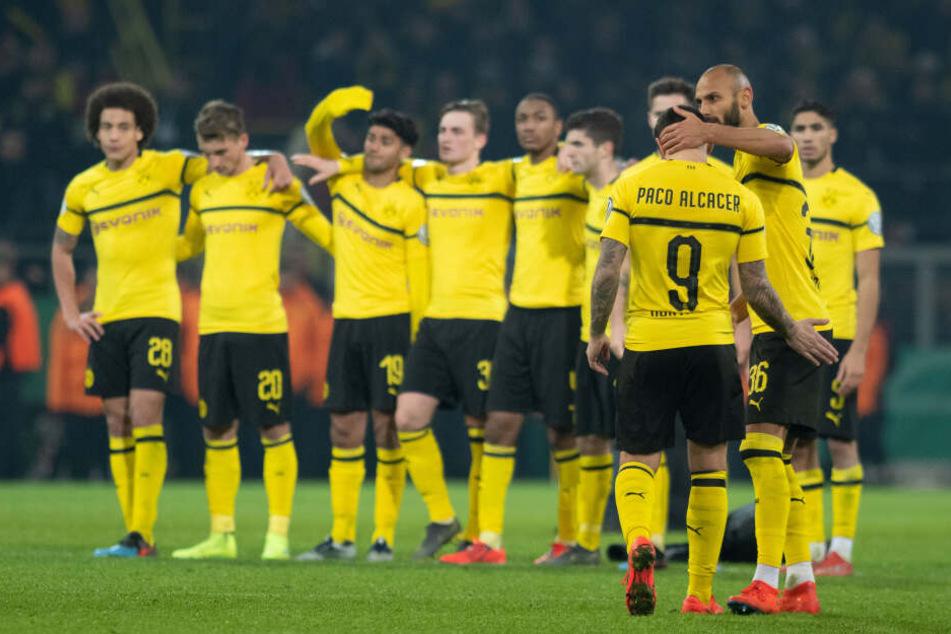 Am Ende der Saison will der BVB jubeln und sich nicht traurig in den Armen halten, wie nach dem Pokal-Aus gegen Werder Bremen.