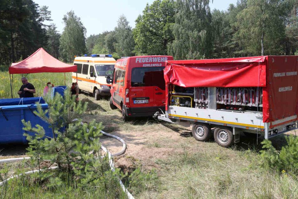 Einsatzkräfte der Feuerwehr waren bereits am Freitag bei Lübtheen im Einsatz.