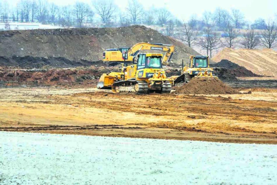 An der Knappsdorfer Straße im Gewerbegebiet Airportpark in Klotzsche laufen bereits die Bauvorbereitungen.