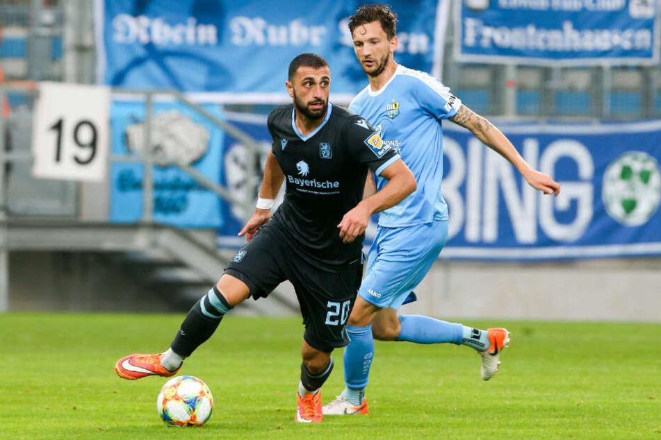 Efkan Bekiroglu vom TSV 1860 München am Ball.