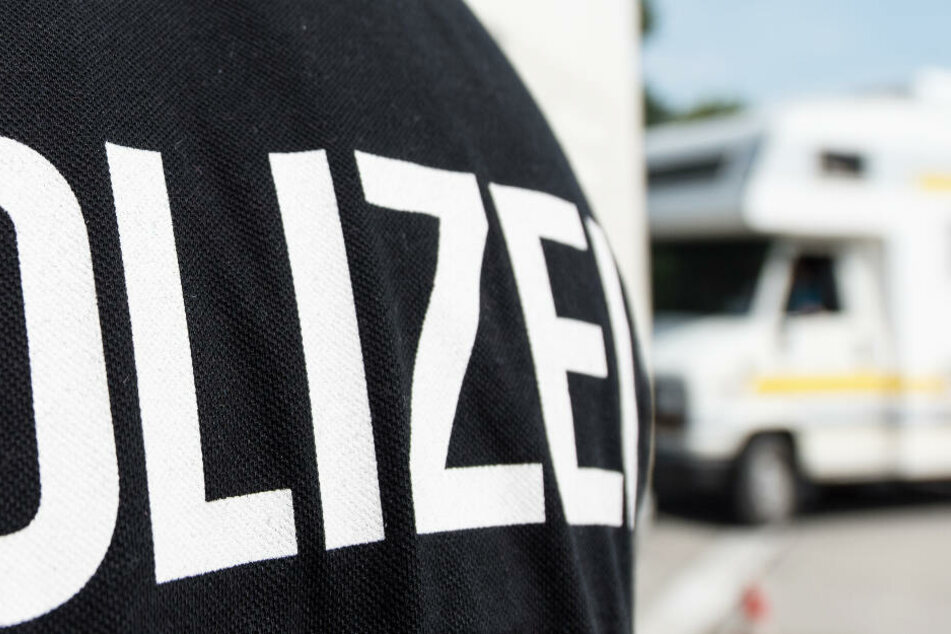 Horror-Fund: Zwei Leichen in Wohnwagen entdeckt, Ski lehnten noch an Camper