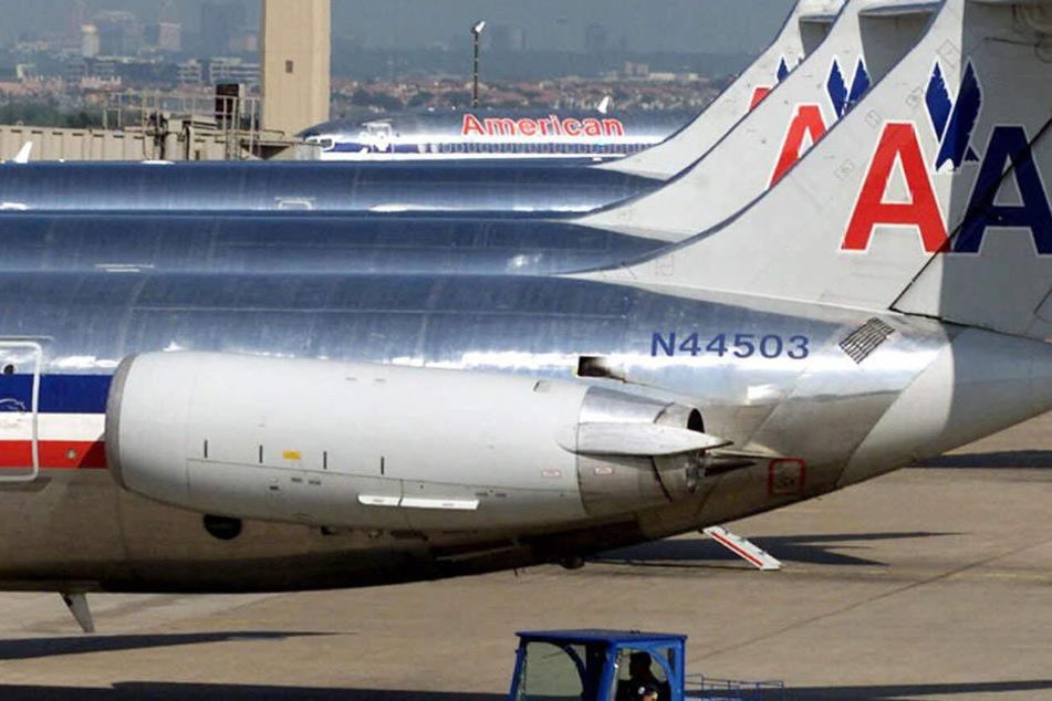 In einem American-Airlines-Flieger versuchte ein Mann gewaltsam ins Cockpit einzudringen.