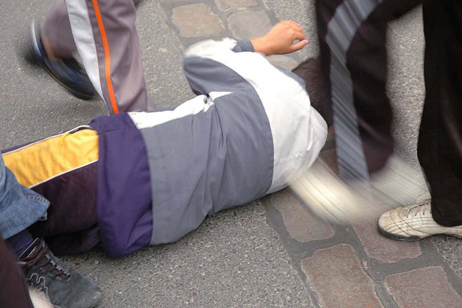 Ein Iraker und zwei Serben wurde attackiert. (Symbolbild)