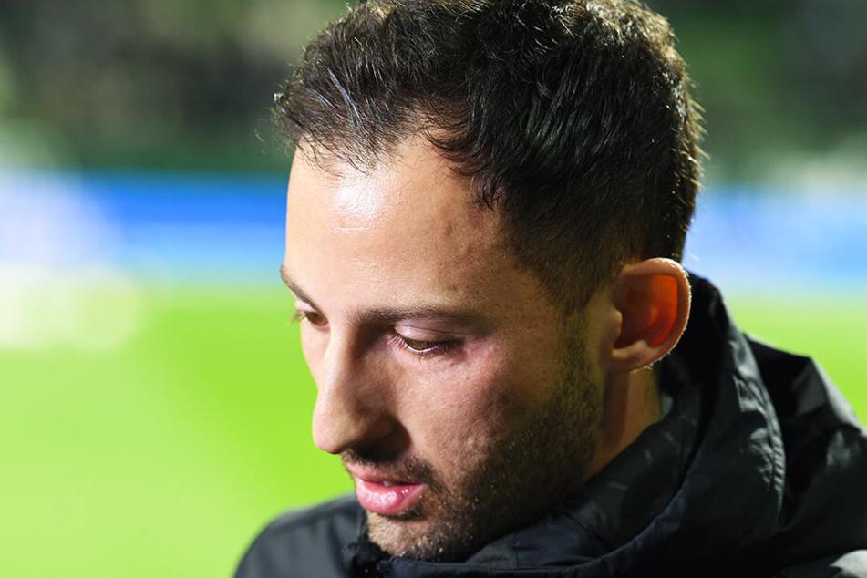Schalke-Coach Domenico Tedesco verlor mit seinem Team auch beim SV Werder Bremen (2:4), bleibt aber vorerst dennoch S04-Coach.