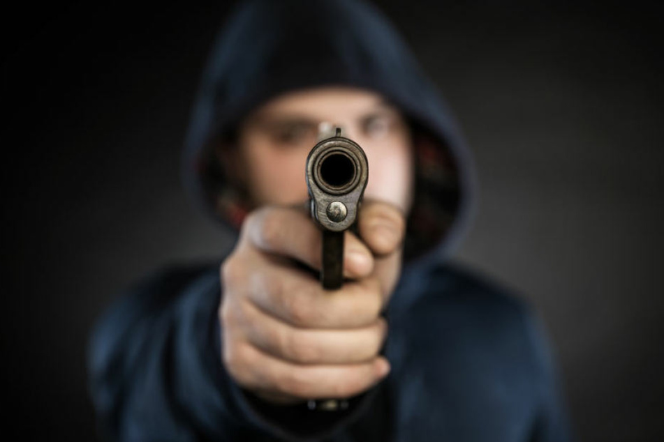 Der Mann bedrohte drei Menschen mit einer Schreckschusspistole. (Symbolbild)