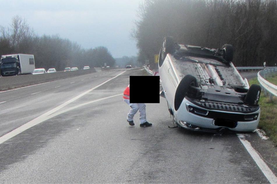 Der Unfall ereignete sich am Freitagmorgen auf der Bundesstraße 9 bei Bodenheim.