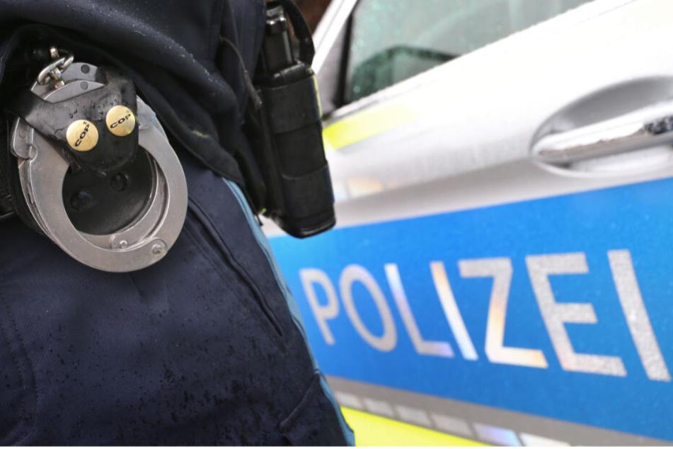 Die Polizei fand außerdem ein Messer am Tatort. (Symbolbild)