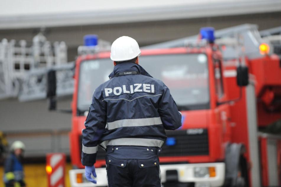 Die Polizei soll Feuerwehr-Einsätze laut der Forderung begleiten. (Archivbild)