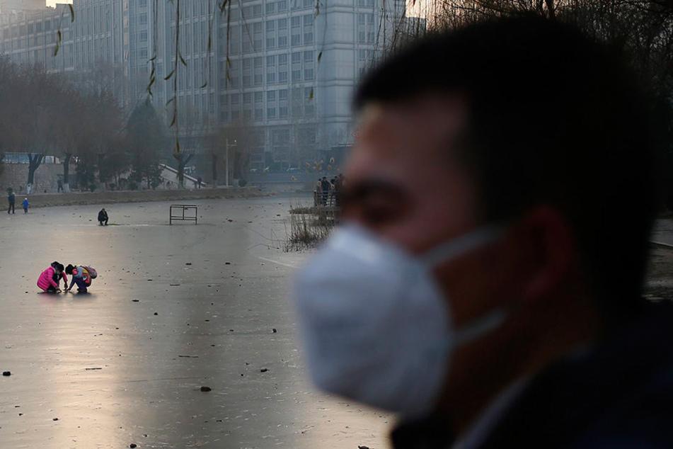 Extremer Smog in Peking: Höchste Alarmstufe ausgerufen