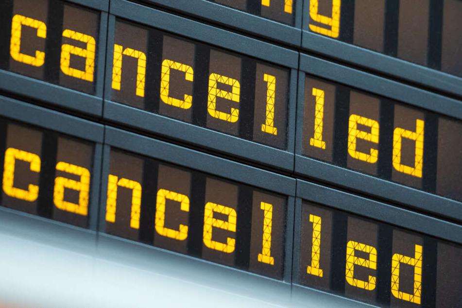 Auf Flug-Passagiere kommen eventuell äußerst chaotische Tage zu (Symbolbild).