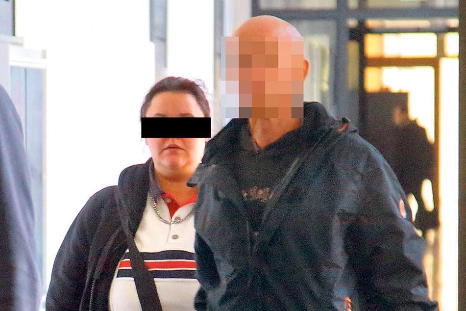 Steffi (27) und ihr Mann Andreas R. (41) kamen in trauter Zweisamkeit ins Gericht. Zwischen ihnen ist alles wieder gut. Verurteilt wurde Steffi dennoch.