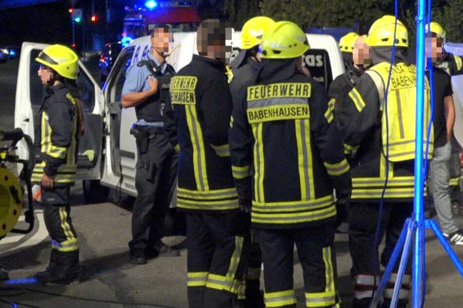 Rettungsdienst, Polizei und Feuerwehr waren nach dem Unfall in Babenhausen im Einsatz.