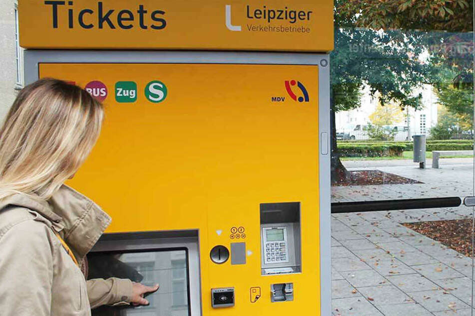 Die Ticketautomaten soll es an vielen Haltestellen in Leipzig bald nicht mehr geben.