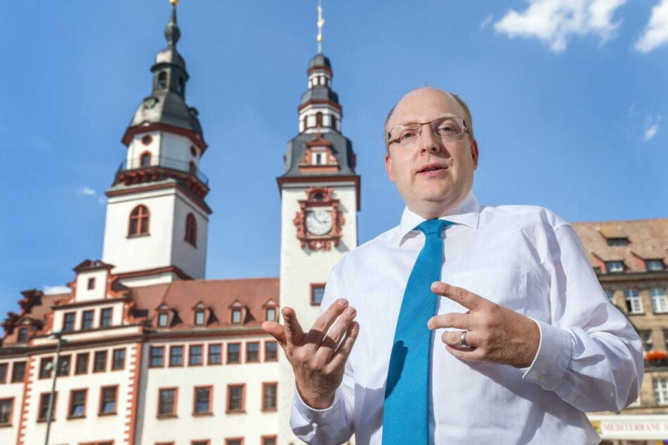 Kämmerer Sven Schulze (44, SPD) will in 80 neue Kita-Erzieherinnen investieren.