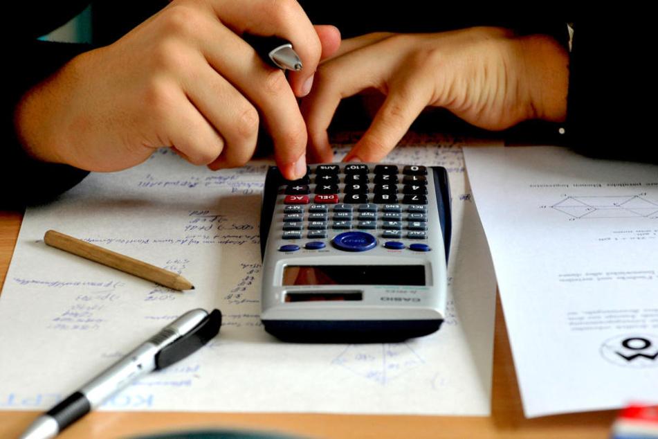 Tausende Taschenrechner braucht Leipzig für seine Schüler. Ausgeschrieben  sind gleich 7700.
