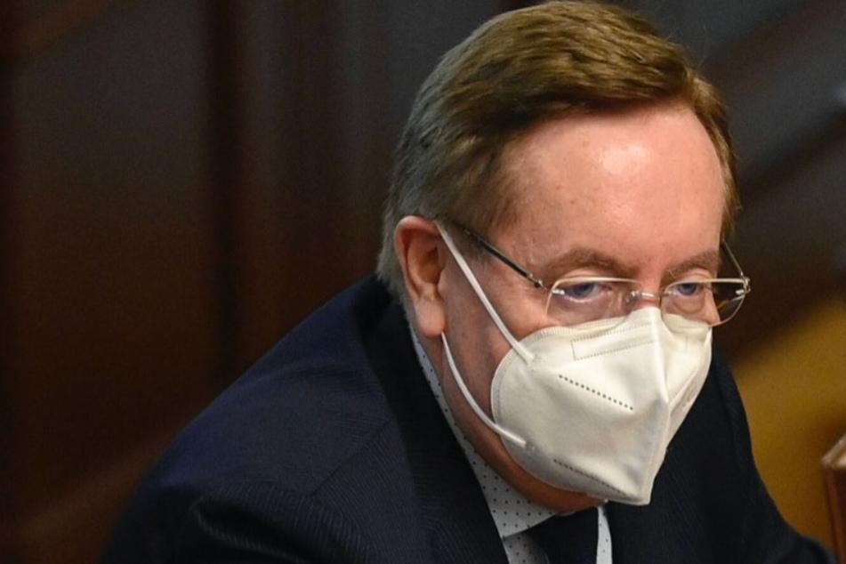 """Tschechischer Gesundheitsminister im Kreuzfeuer: """"Sein Vermögen wächst schneller als Bitcoin"""""""