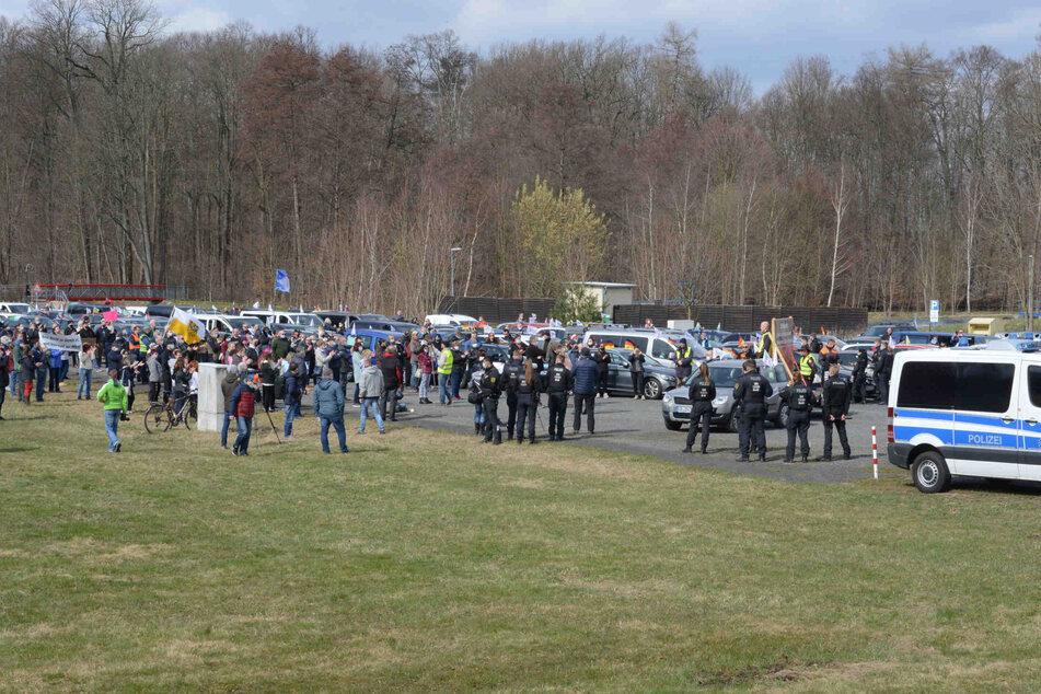 Autokorso-Demonstranten wollen in der Nähe von Michael Kretschmers Haus protestieren