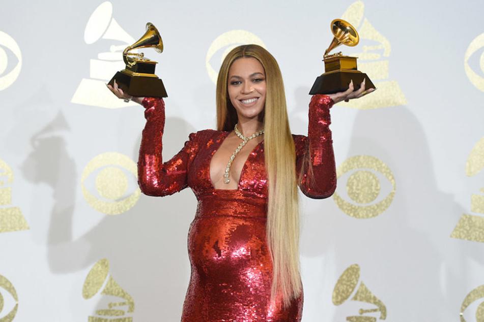 Beyoncé ging ebenfalls nicht leer aus: Sie durfte gleich zwei Trophäen mit nach Hause nehmen.