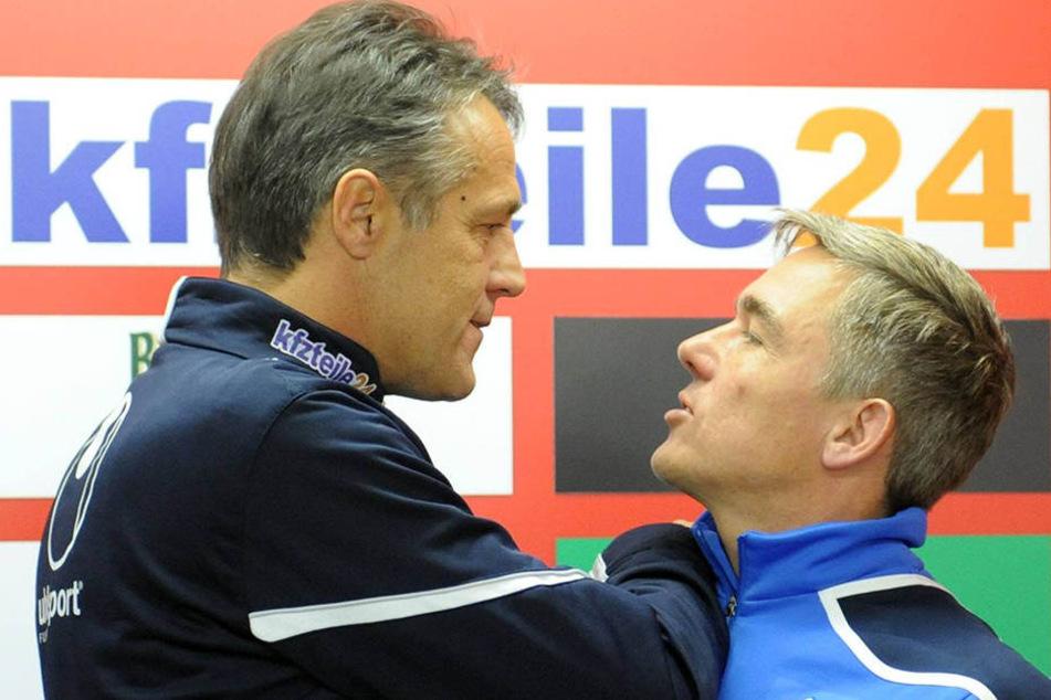 Seit Jahren gute Freunde: Uwe Neuhaus (l., hier noch als Union-Trainer) und Olaf Janßen.