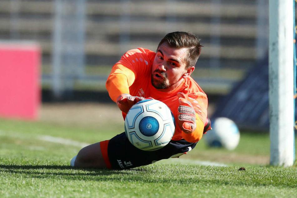 Bei Viertligist 1. FC Lok Leipzig versucht Kirsten seit 2016, so viele Bälle wie möglich von seinem Tor abzuwehren. Sein Vertrag läuft 2020 aus.