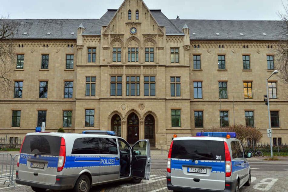 Die Brüder stehen in Erfurt wegen Menschenraubs und schwerer Körperverletzung vor Gericht.
