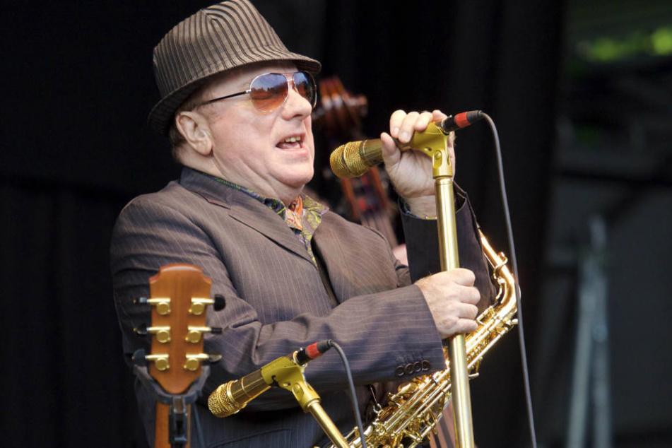 Sir Van Morrison (71), muss es korrekterweise  heißen. Der Songschreiber, Sänger, Gitarrist und Saxofonist wurde vergangenes  Jahr von der Queen geadelt.